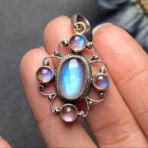 Sterling silver moonstone pendant